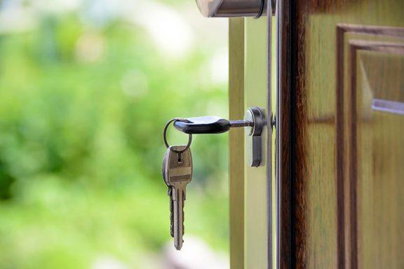 front-foor-home-keys